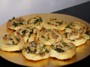 Ham spinazie broodrolletjes