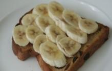 Banaan op brood