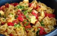 Farfalle met zalm curry