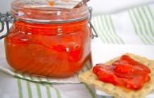 Rabarber aardbeien jam