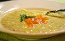 Romige aardappel zalm soep