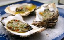 Oosters gegratineerde oesters