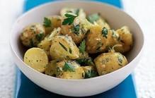 Salade van nieuwe aardappels
