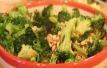Broccoli met pijnboompitten
