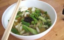 Thaise noedelsoep met groenten