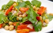 Kikkererwten salade met waterkers