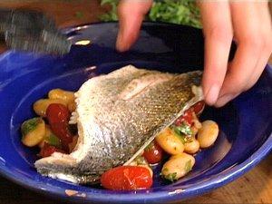 Lekker gezond: gegrilde zeebaars met witte reuzenbonen - Kookse.tv