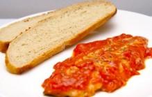 Makreel in tomatensaus