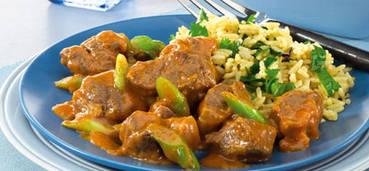 Thaise lamscurry met gekruide rijst