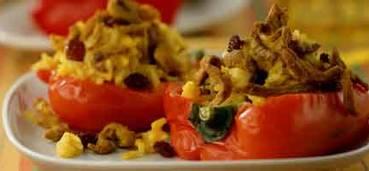 Gevulde paprika met varkensvleesreepjes en rijst