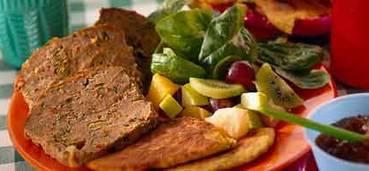 Pittig gehaktbrood met lente-uitjes en koriander