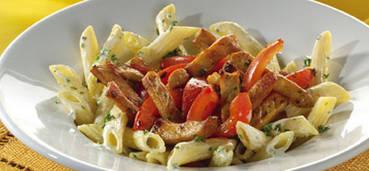 Romige Italiaanse pasta met filetlapjes