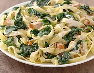 Tagliatelle met spinazie en kip