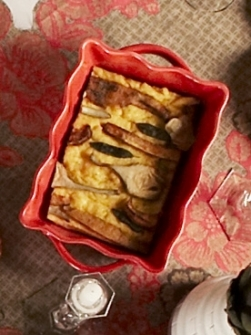 Polenta uit de oven met pompoen, artisjok, pecorino en salie