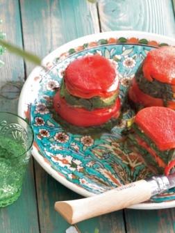 Timbaaltjes van wilde spinazie en geroosterde paprika