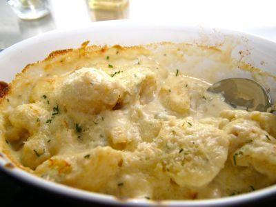 Gegratineerde bloemkool met blauwe kaas