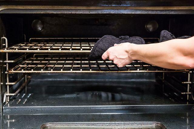 Waar plaats jij je ovenrooster in de oven?