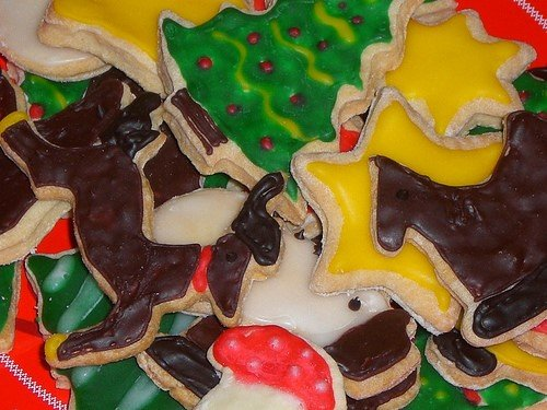 """<a href=""https://www.flickr.com/photos/seelensturm/4193930993/"">christmas cookies</a>"" (<a href=""https://creativecommons.org/licenses/by/2.0/"">CC BY 2.0</a>) by <a href=""https://www.flickr.com/people/seelensturm/"">seelensturm</a>"
