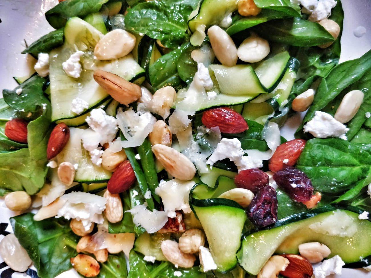 Salade met gegrilde courgette